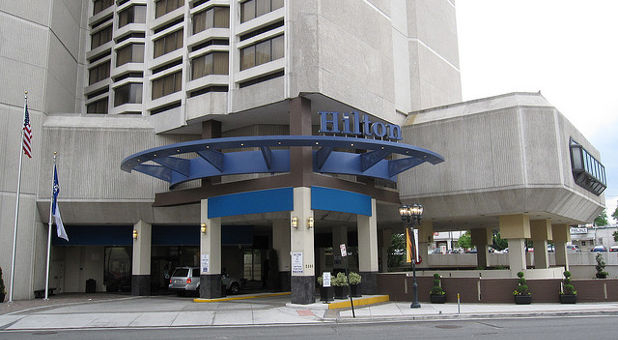 Hilton-Hotel-Arlington-Flickr