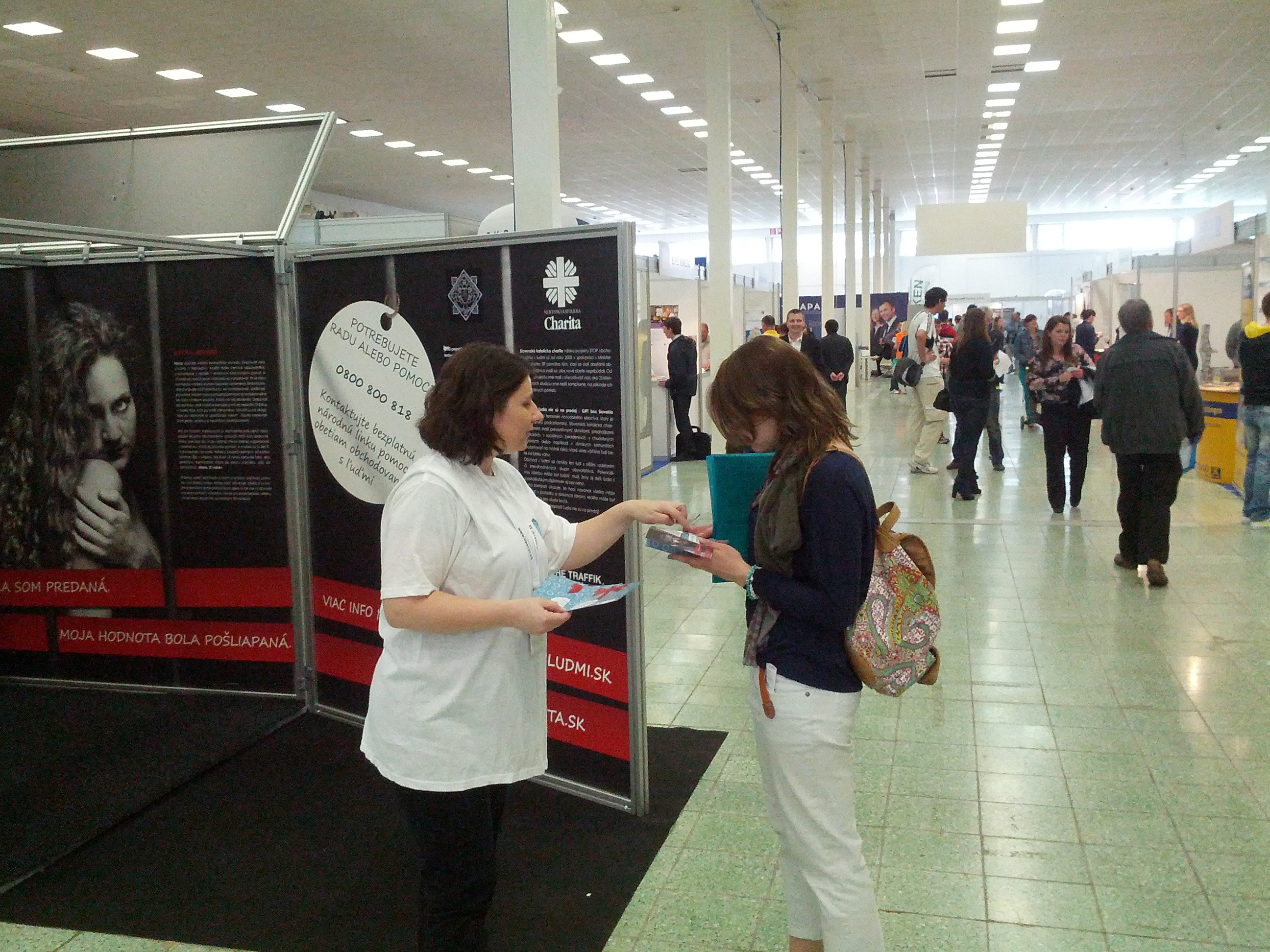 Sr. Bohdana Bezáková CJ speaking with the visitors of the Job Fair in Nitra, Slovakia